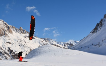 SONIC-FR Snow Mountain Snowkiting