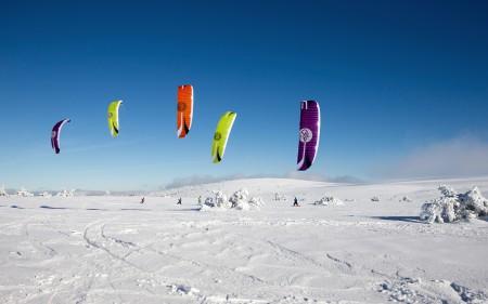 SPEED5 Snow four Kites Race