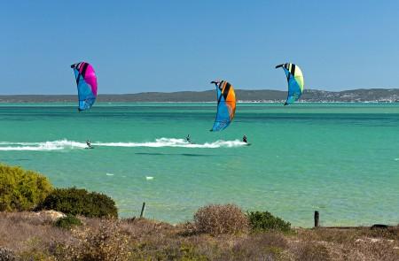BOOST2 Water Three Kites Race